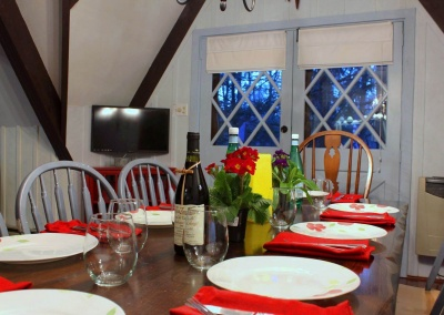 Feels Like Heaven - 5 Bedroom Poconos Vacation Rental - The Dining Room