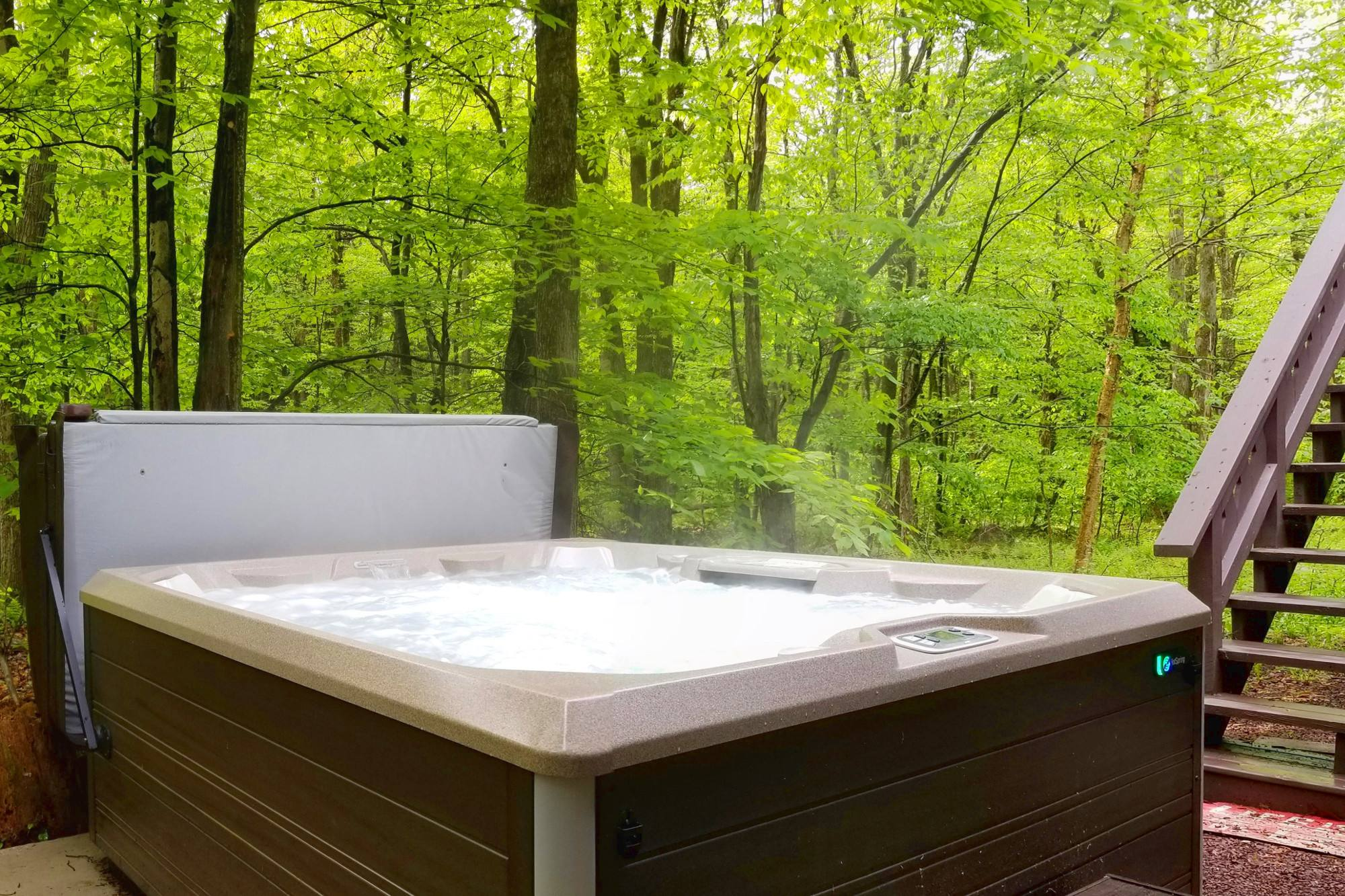 Feels Like Heaven - 5 Bedroom Poconos Vacation Rental - Hot Spring 7 Person Outdoor Hot Tub